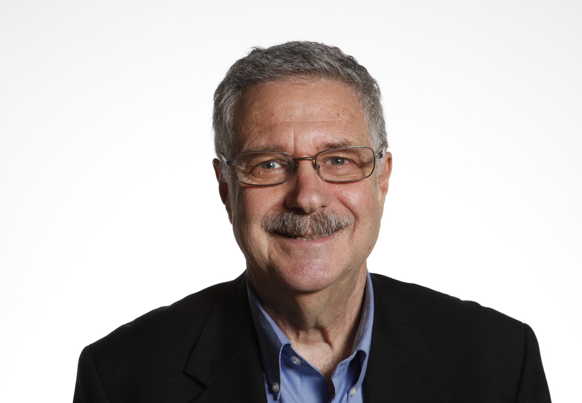 Larry Magid, freelance technology columnist of the San Jose Mercury News is photographed on Friday, Oct. 21, 2011 in San Jose. (Gary Reyes / Mercury News)